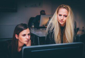 Subvención para el fomento de la contratación en prácticas de personas jóvenes desempleadas menores de 30 años.